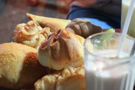 Bánh ngọt và sữa đậu nành